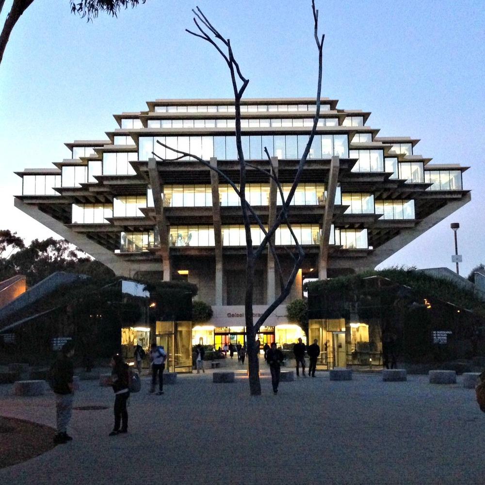 UCSD Geisel Library 1.JPG