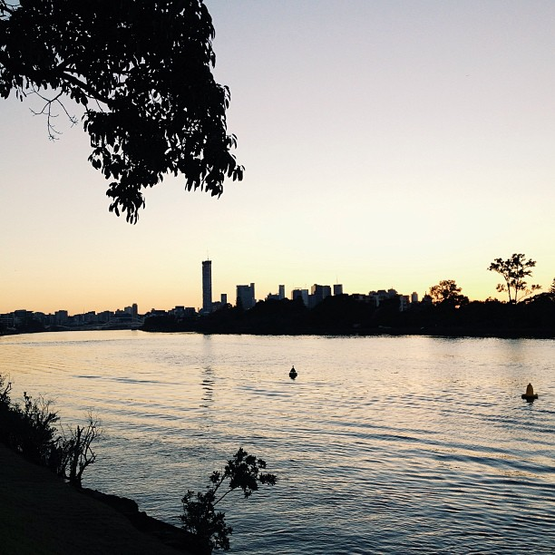 BrisbaneRiverAtDawn.jpg