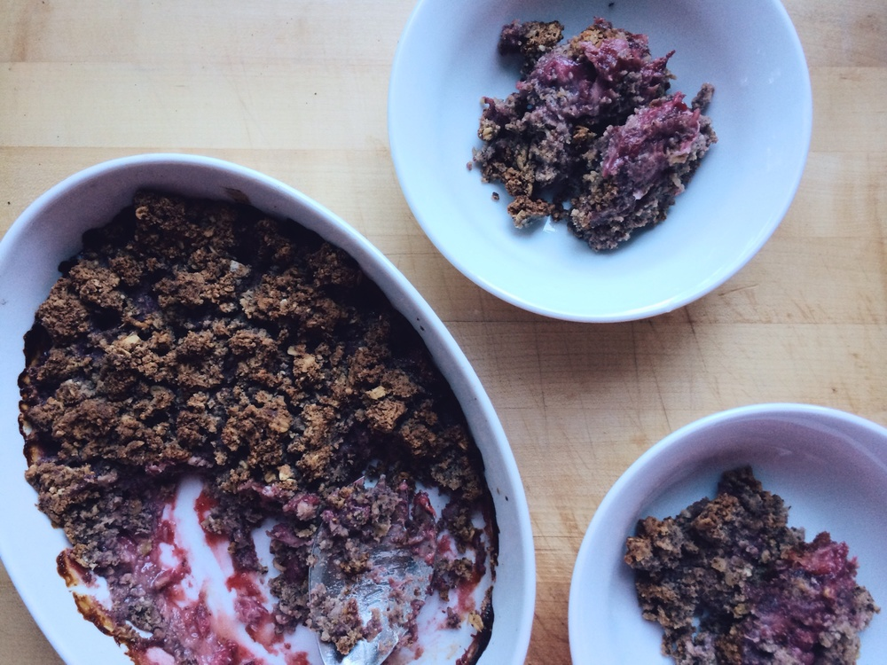 Strawberry Oat #Breakfast Crisp | Eat This Poem