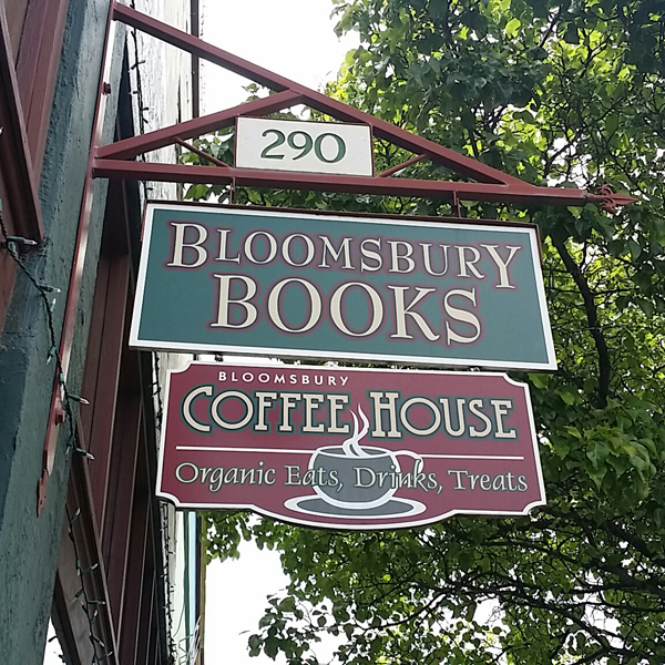 BloomsburyBks_sign.jpg