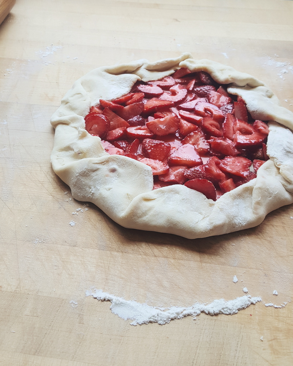 strawberry galette 1.jpg