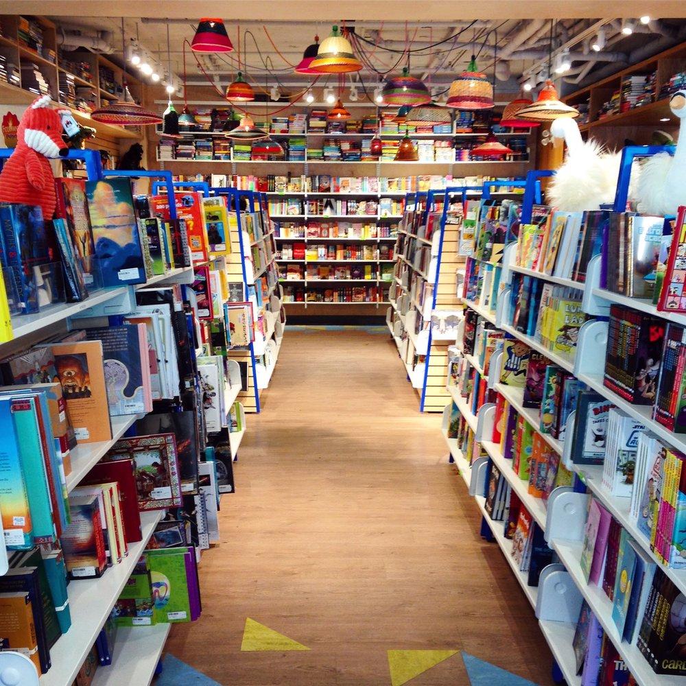Kidsbooks_Int.JPG