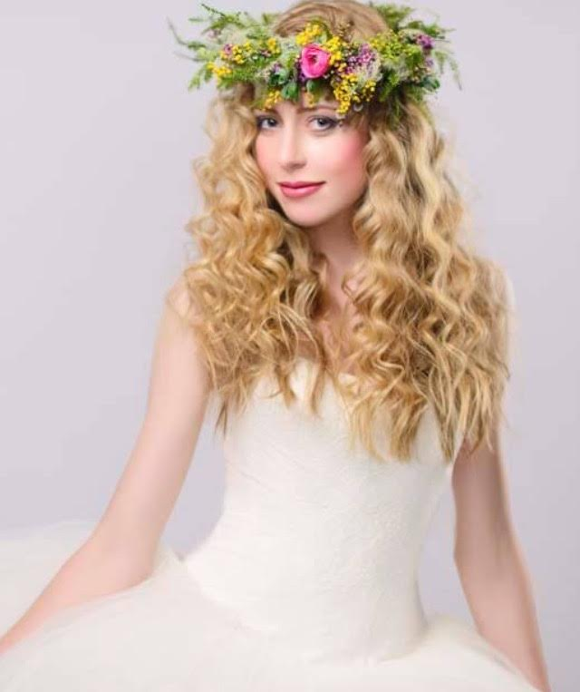 Photo -   Shalem Photography       Flower Crown -   Bloomsbury Blooms