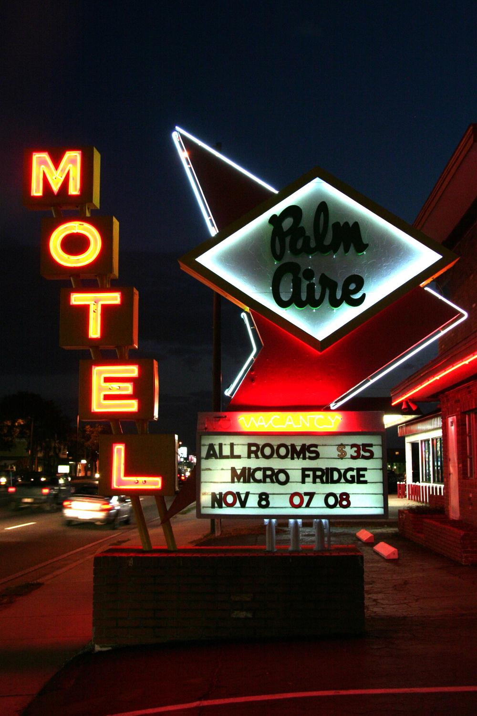 Palm AIre Motel.jpg