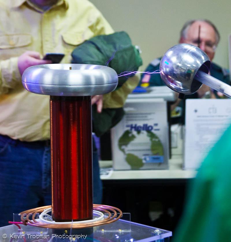 Demonstrating a Tesla Coil