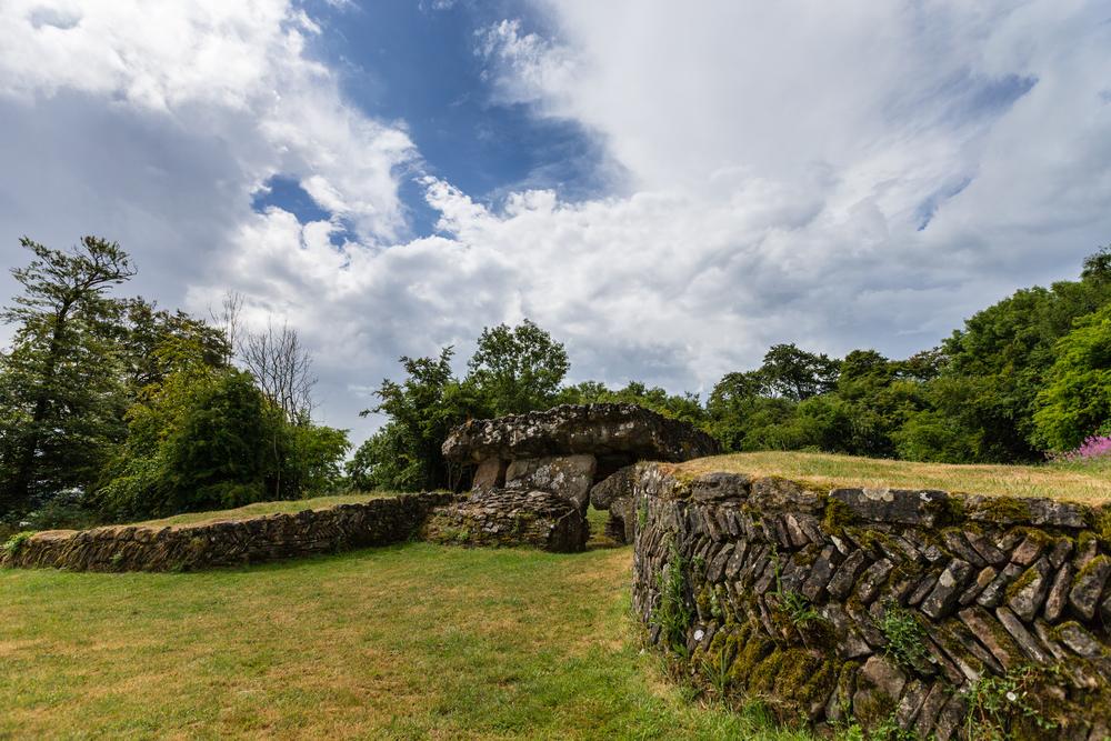 ©Jennifer Bailey 2013 Tinkinswood Burial Chamber, Siambr Gladdu, Wales