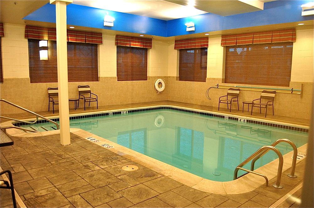 Hyatt_Pool.JPG