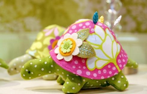 turtle_pincushion.jpg