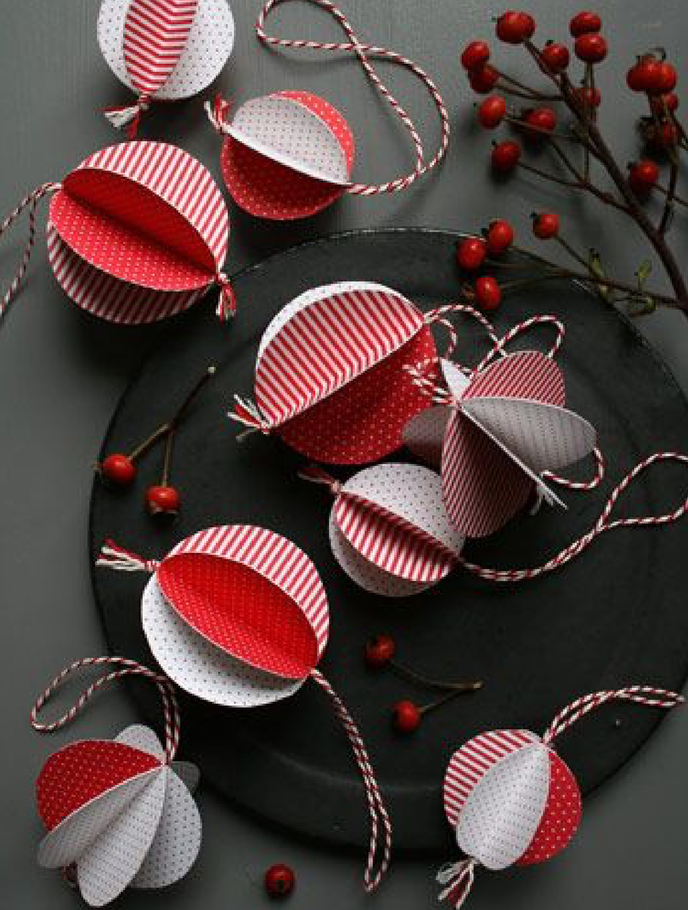Paper Circles Ornaments