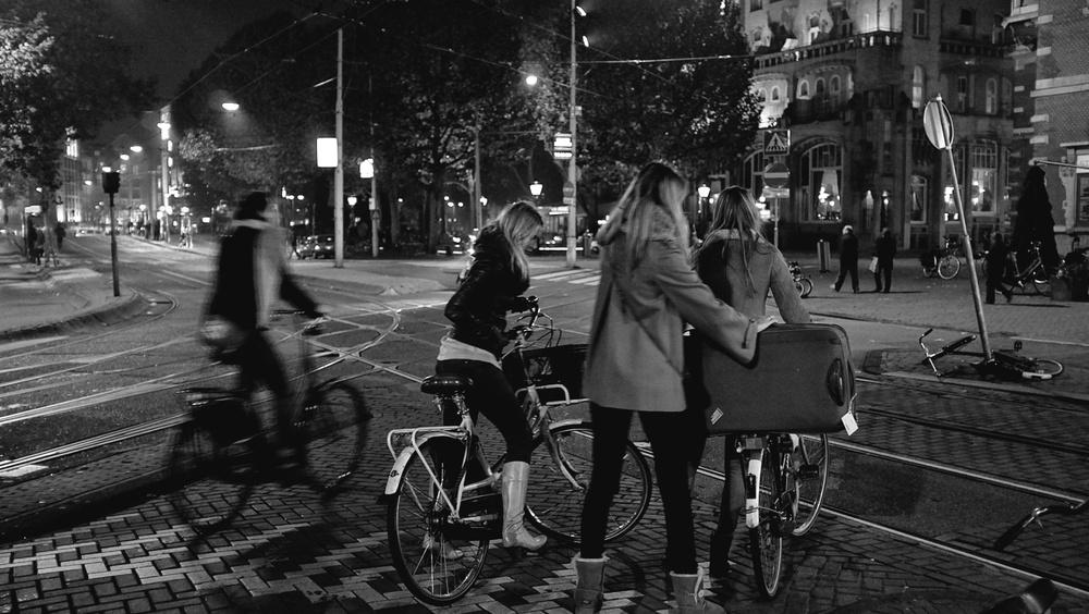 2011-11-07 at 09-36-17, street amsterdam.jpg
