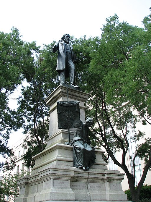 Albert Pike statue in Washington, DC, Abraham ofm [ CC BY 3.0 ], via Wikimedia Commons