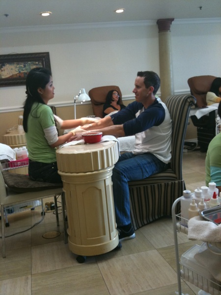 Eric getting manicure