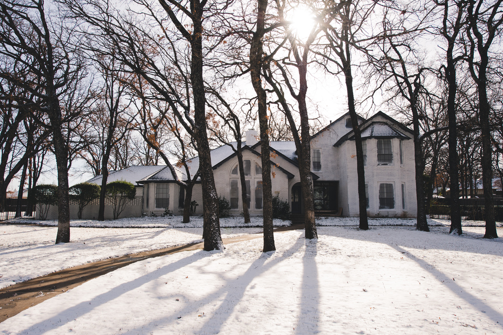 Two days ago, we had the most amazing white Christmas. The snow came down for hours. And the next morning, when we visited Emerald Drive, it looked just as beautiful. (Doesn't it go nicely with the new white exterior? It's still just primer...we need some warmer weather for painting.)