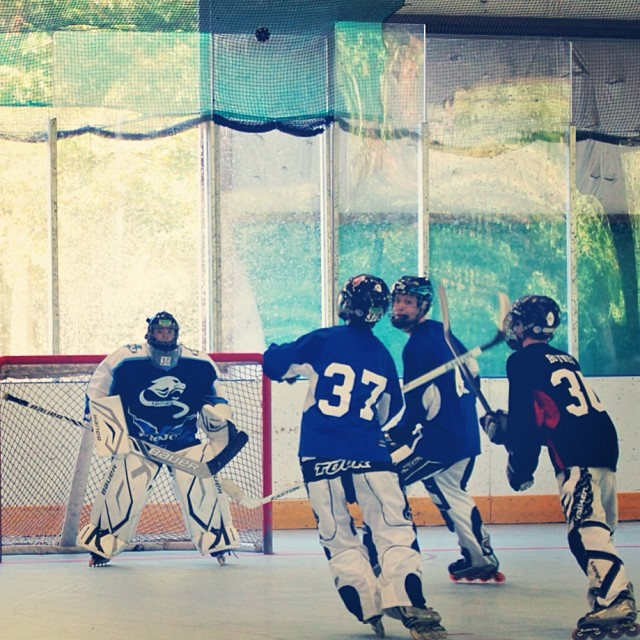 "Blue vs Black Rabid Squirrels Midget Division ""Floating Puck"" #inlinehockey"