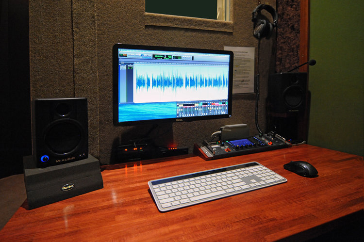 Diy recording voice trax west diy booth outside desk closeg solutioingenieria Images