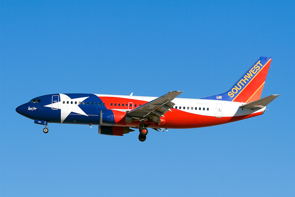 n352sw_Southwest_737_las_123006.jpg