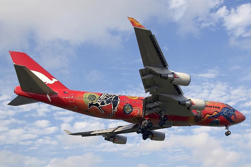 12_vh-oej_Qantas_747_jfk_080606_1_12.jpg