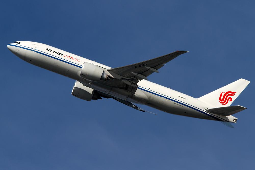 b-2096_AirChina_777_JFK_110214.jpg