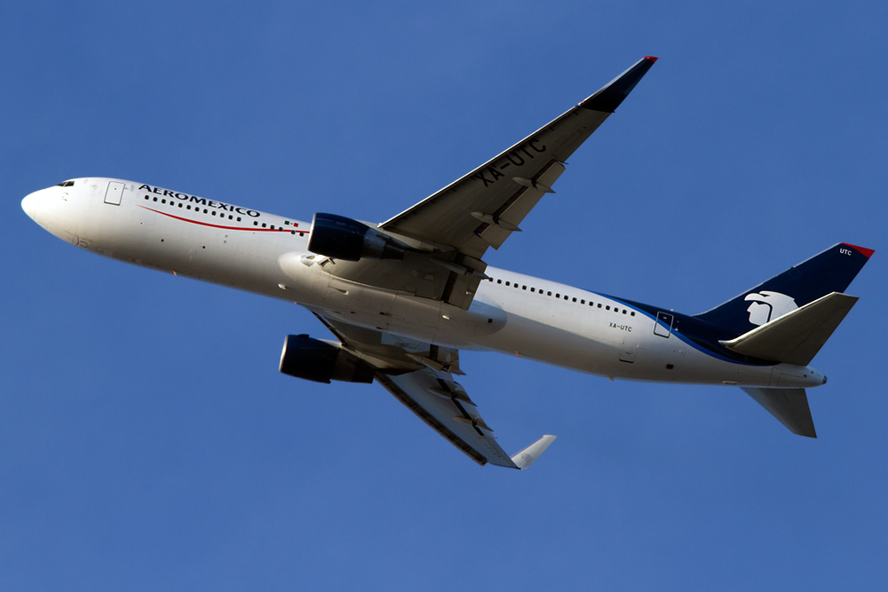 XA-UTC_Aeromexico_767_JFK_110214.jpg
