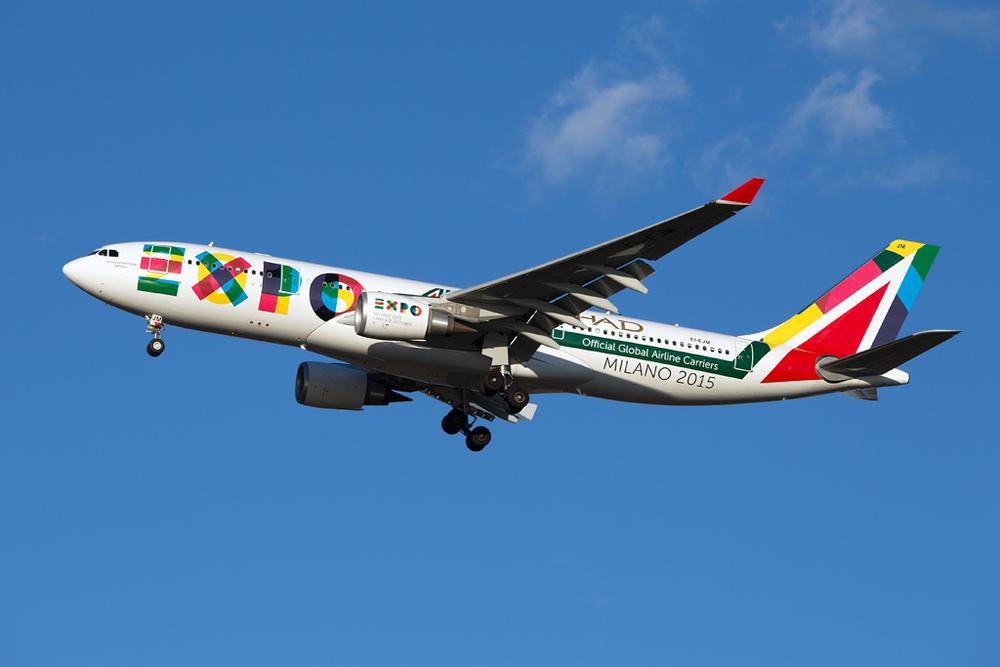 EI-EJM_Alitalia_A330_JFK_010515.jpg