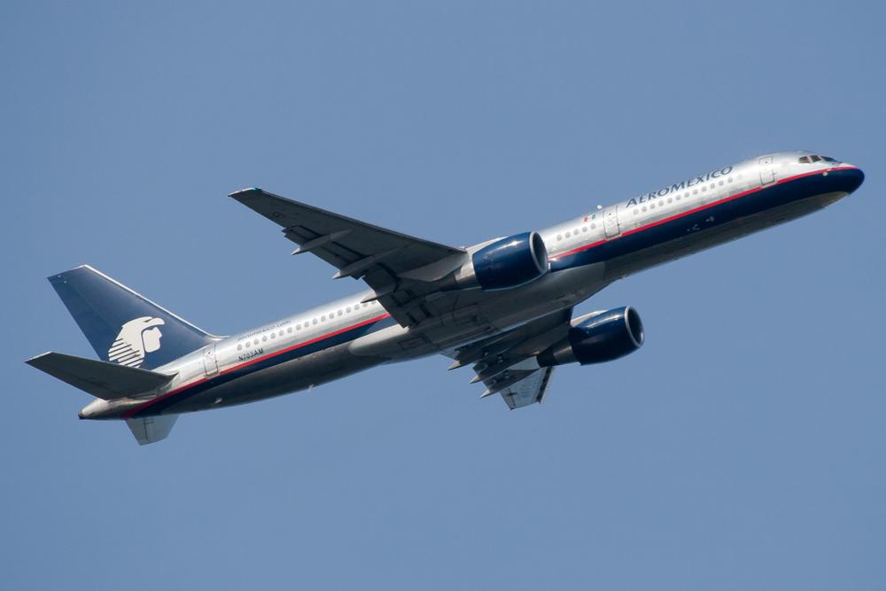 N703AM Aeromexico 757