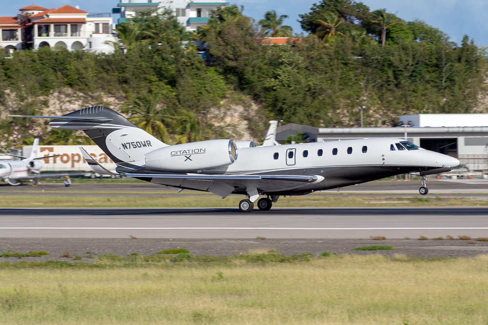 N750WR_CESSNA_CITATION_X_SXM_010416.jpg
