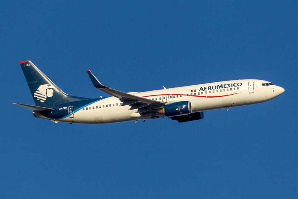 EI-DRA_AEROMEXICO_737_JFK_110418.jpg