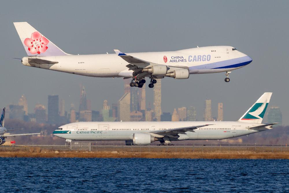 B-18710_CHINAAIRLINESCARGO_747_JFK_10818.jpg