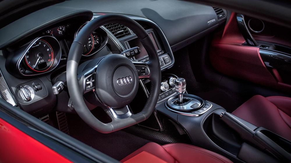 Audi-R8-Interior.jpg