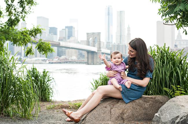 New spots in Brooklyn Bridge Park brooklyn family photographer Raquel Frechette Photography