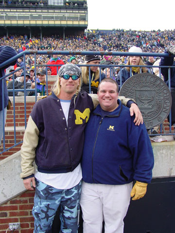 November 2, 2002:  Posing on the sidelines with Steve Everitt during Michigan's 49-3 pasting of Michigan State.