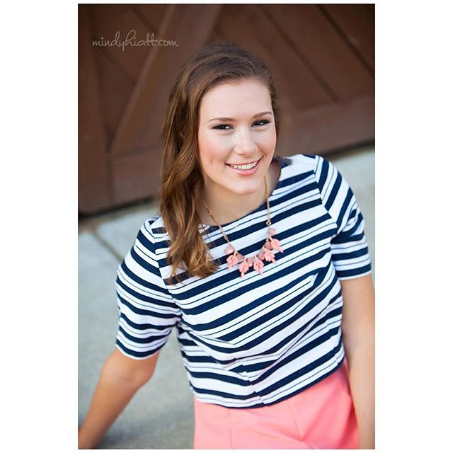 Another favorite from @megan__graves senior portraits!!! Be sure to check out the link in profile for more!