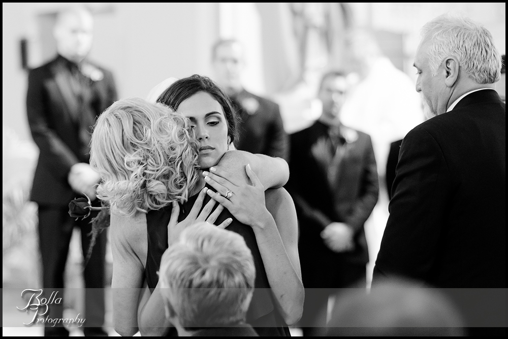009_Bolla_Photography-wedding-ceremony-bride-mom-mother-hug-church-New_Baden-Hibbs.jpg