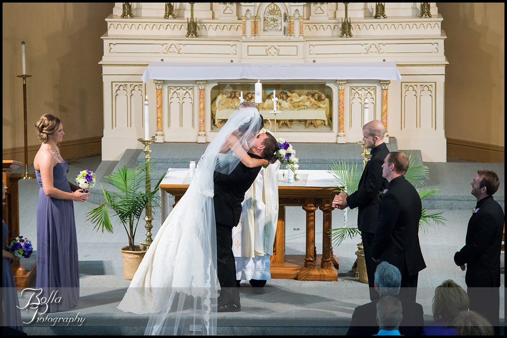 010_Bolla_Photography-wedding-ceremony-bride-groom-couple-first-kiss-church-New_Baden-Hibbs.jpg