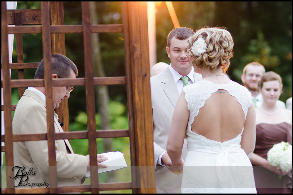 011_Bolla_Photography-outdoor-wedding-fall-ceremony-procession-bride-groom-vows-sunset-winery-Roundhouse-Wine-Centralia-IL-Wilson.jpg