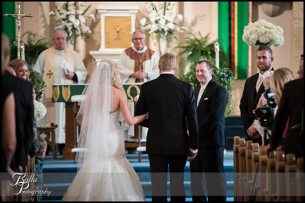 006-Bolla-Photography-wedding-Germantown-IL-ceremony-procession-bride-father-aisle-groom-Albers.jpg