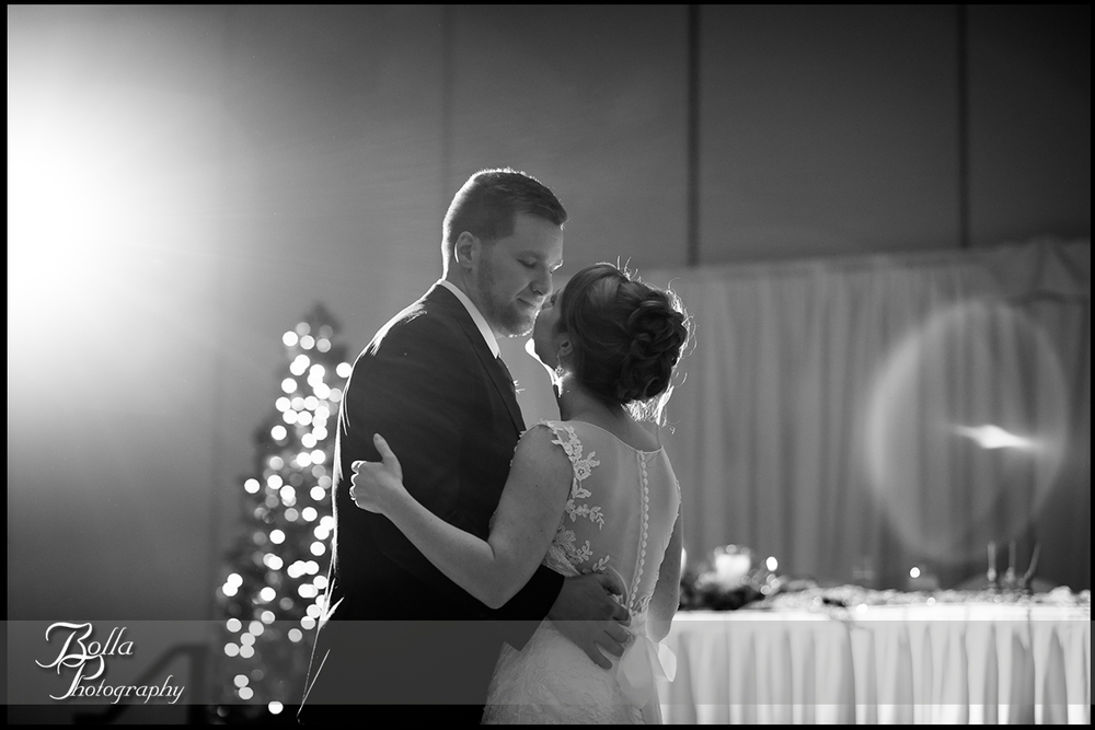 019-Bolla-Photography-Saint-Louis-wedding-photographer-McKendree-Bothwell-Chapel-Lebanon-IL-ceremony-Regency-OFallon-IL-reception-first-dance-bride-groom-Mc.jpg