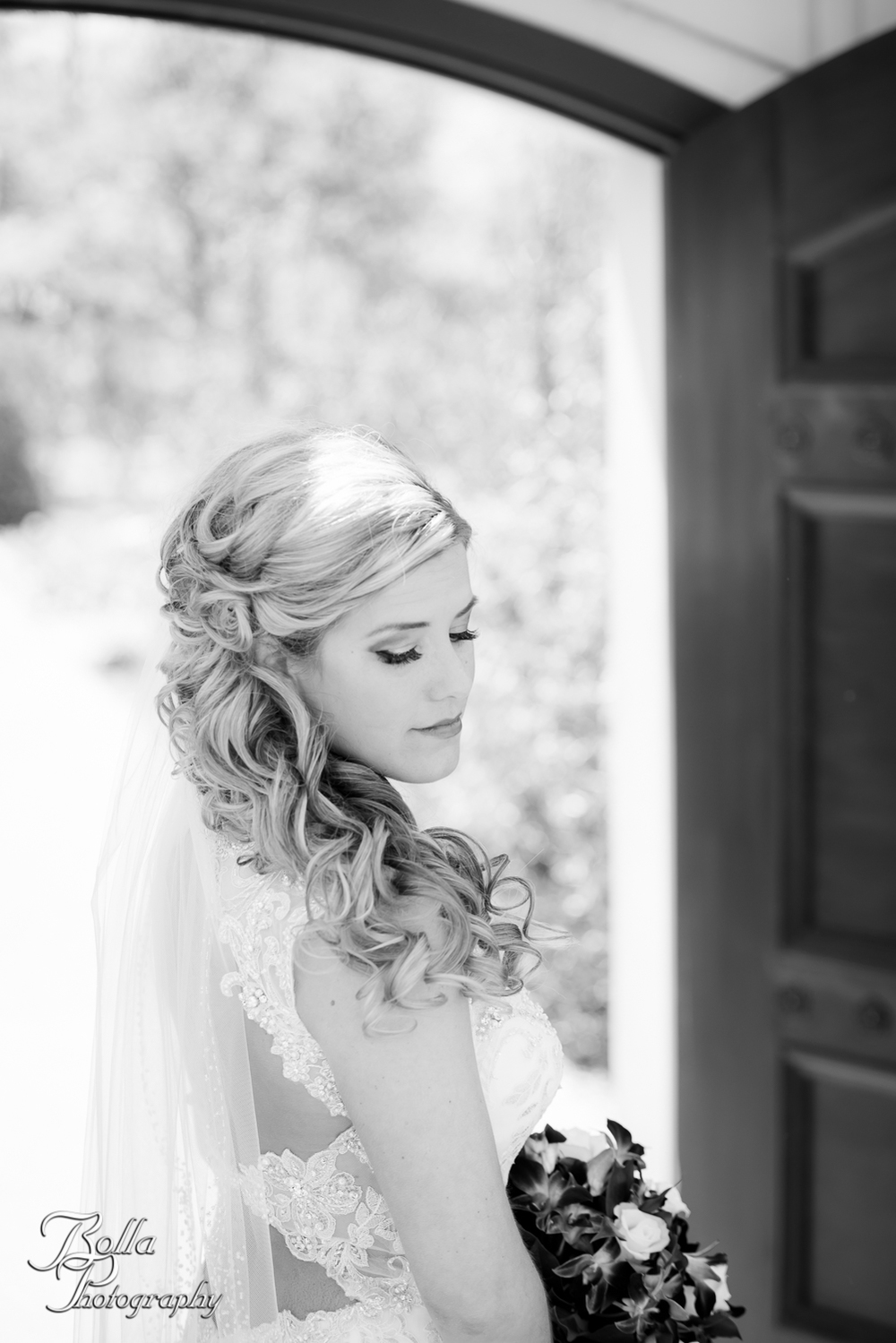 Bolla_Photography_St_Louis_wedding_photographer_Morgando_Blues_hockey_Botanical_Gardens_spring-0091.jpg