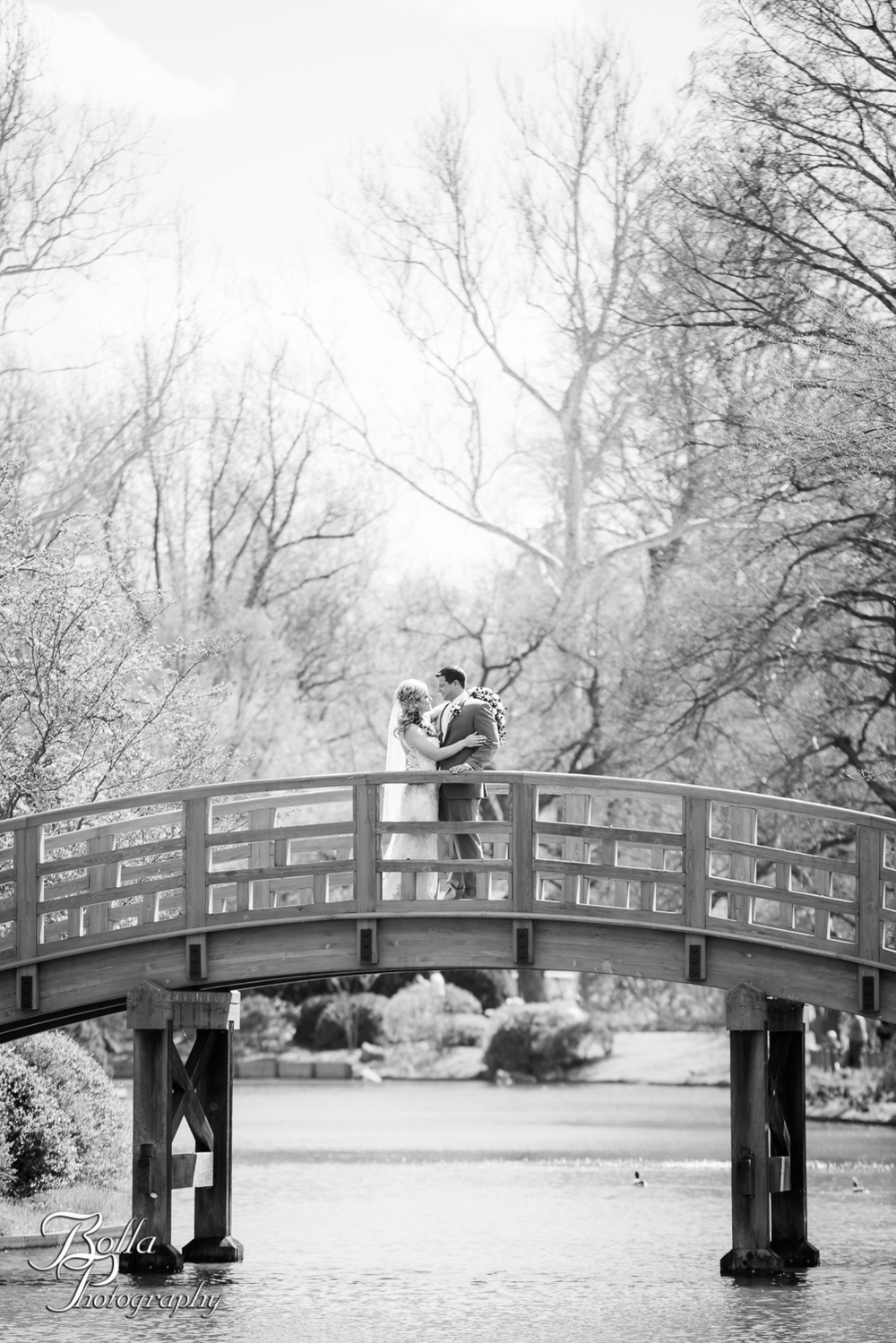 Bolla_Photography_St_Louis_wedding_photographer_Morgando_Blues_hockey_Botanical_Gardens_spring-0002-2.jpg