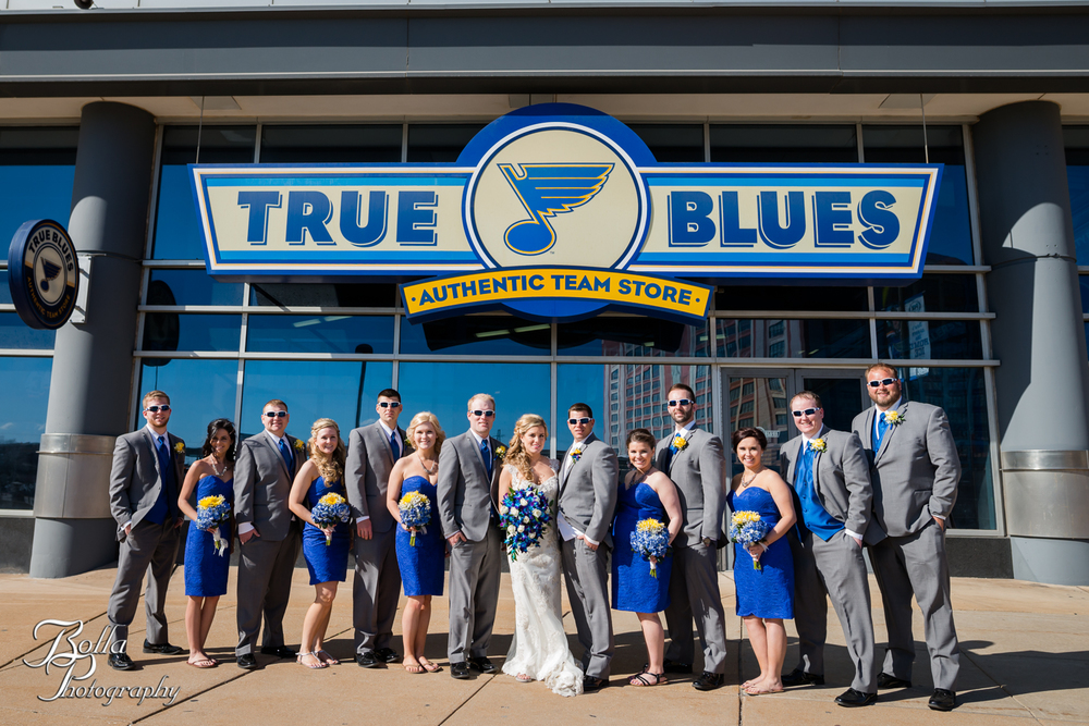 Bolla_Photography_St_Louis_wedding_photographer_Morgando_Blues_hockey_Botanical_Gardens_spring-0285.jpg