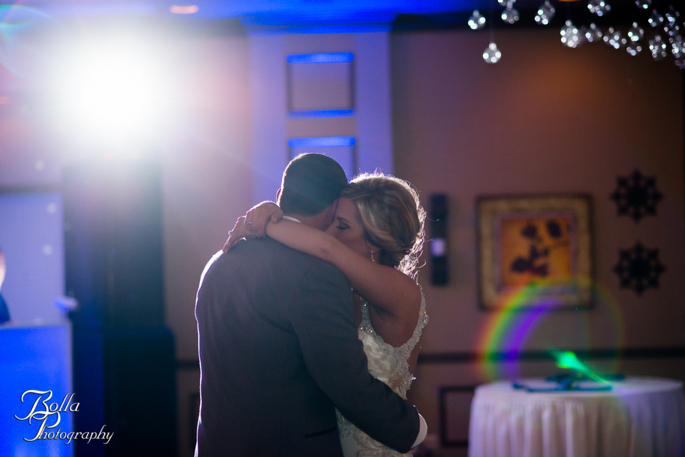 Bolla_Photography_St_Louis_wedding_photographer_Morgando_Blues_hockey_Botanical_Gardens_spring-0398.jpg