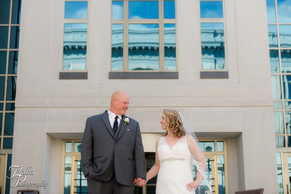 Bolla_Photography_St_Louis_wedding_photographer_Wildey_Theater_Edwardsville-0249.jpg