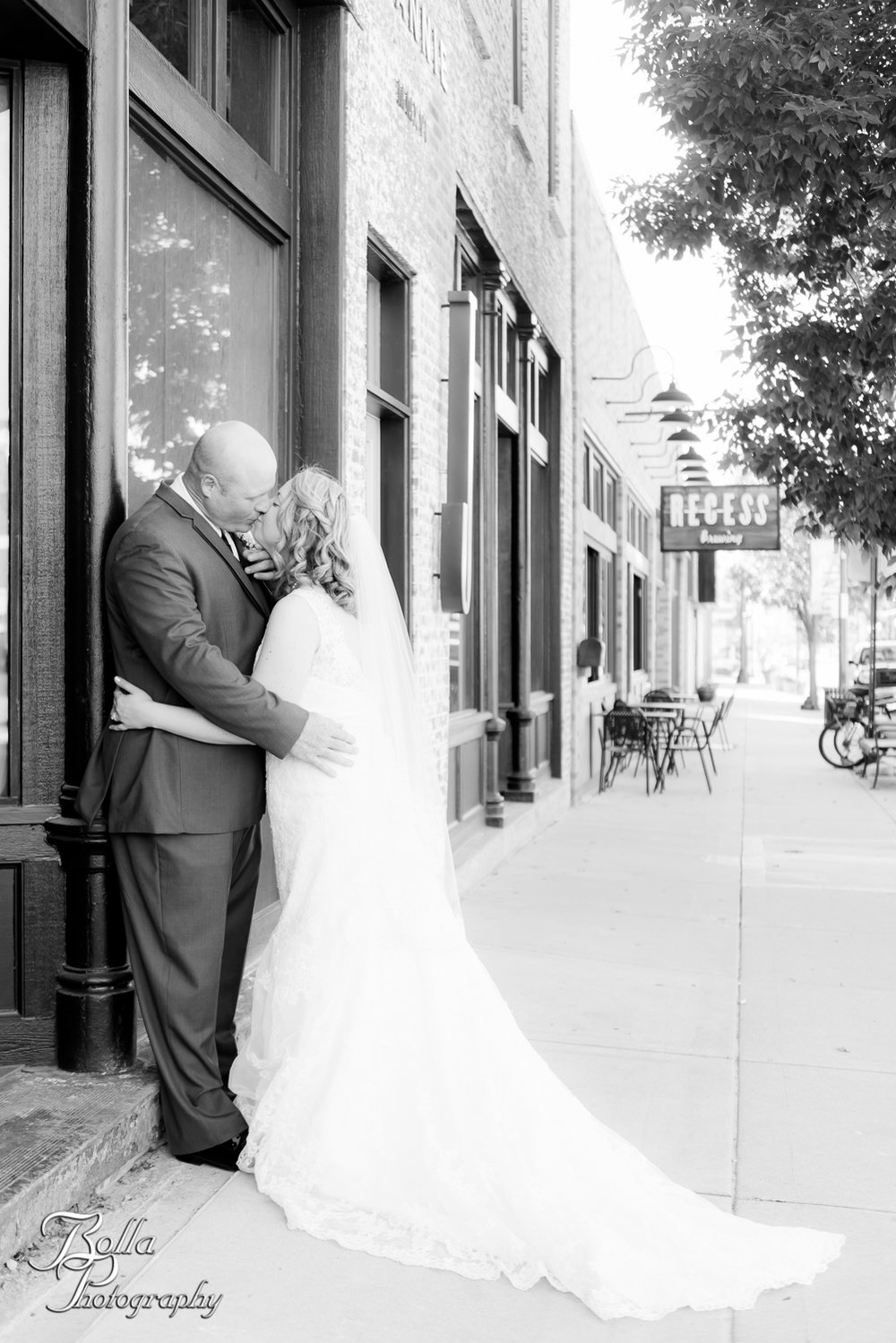 Bolla_Photography_St_Louis_wedding_photographer_Wildey_Theater_Edwardsville-0269.jpg