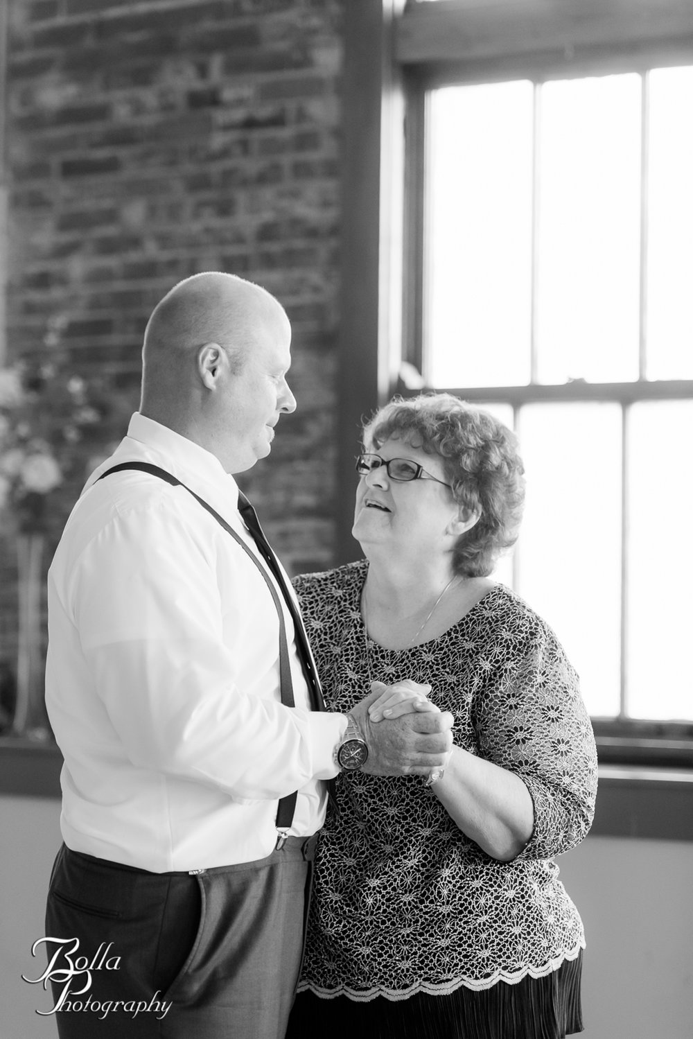 Bolla_Photography_St_Louis_wedding_photographer_Wildey_Theater_Edwardsville-0396.jpg