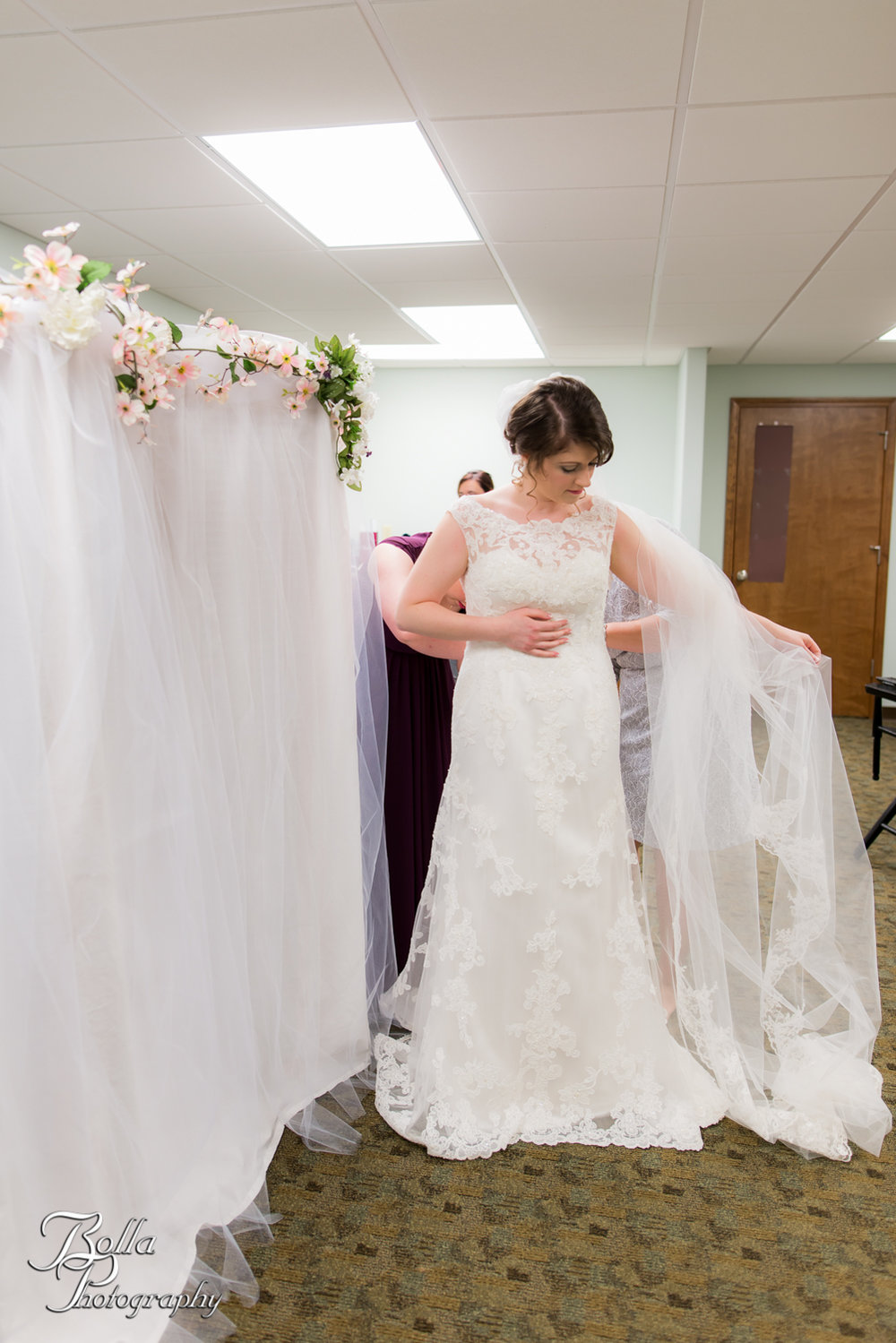 Bolla_Photography_St_Louis_wedding_photographer_Alton_IL__Baptist_Church-0041.jpg