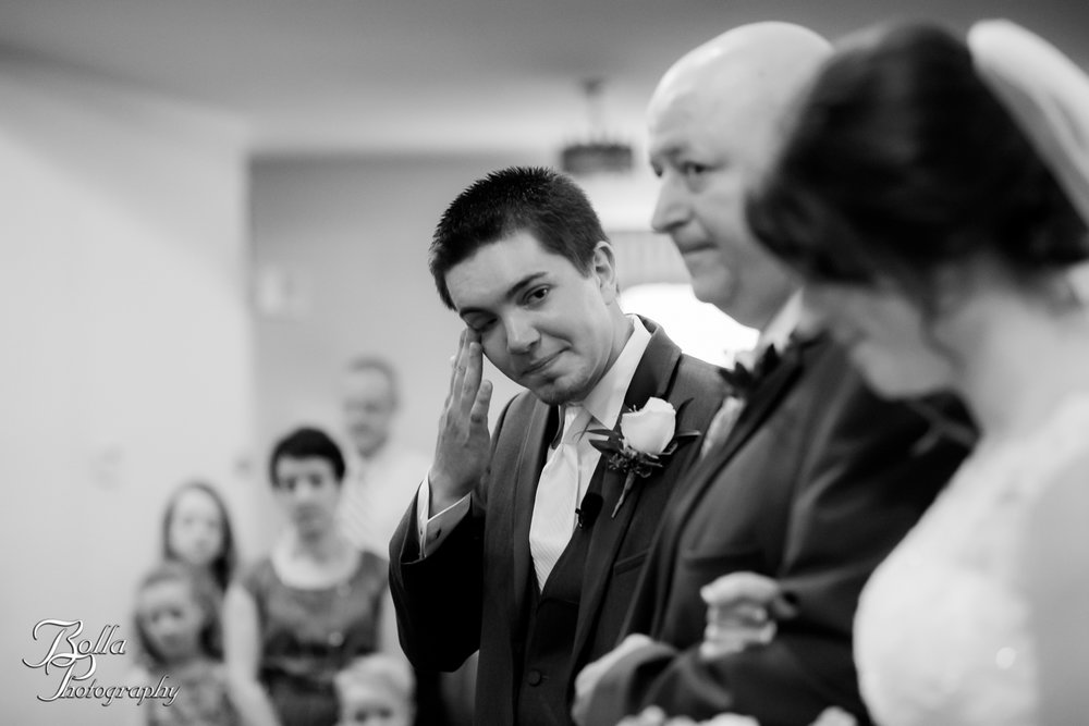 Bolla_Photography_St_Louis_wedding_photographer_Alton_IL__Baptist_Church-0140.jpg
