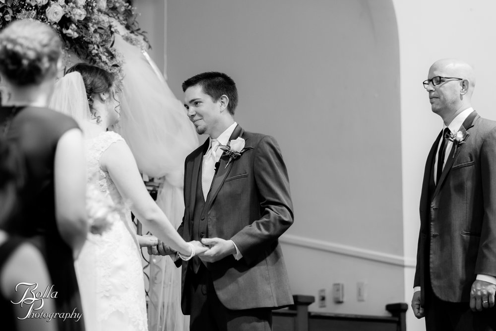 Bolla_Photography_St_Louis_wedding_photographer_Alton_IL__Baptist_Church-0159.jpg
