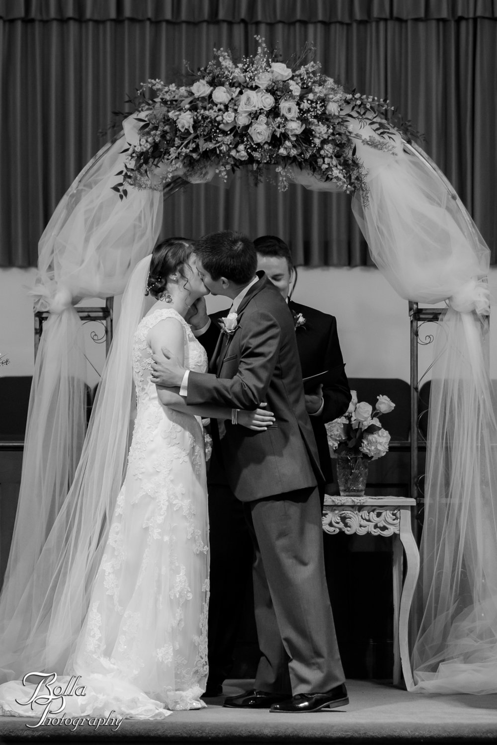 Bolla_Photography_St_Louis_wedding_photographer_Alton_IL__Baptist_Church-0199.jpg
