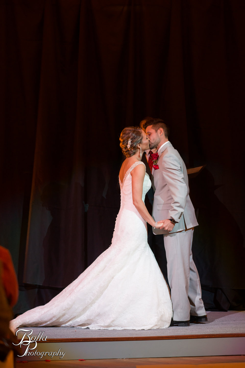 Bolla_photography_edwardsville_wedding_photographer_st_louis_weddings_highland_Allen_Warren_winter_red-0269.jpg