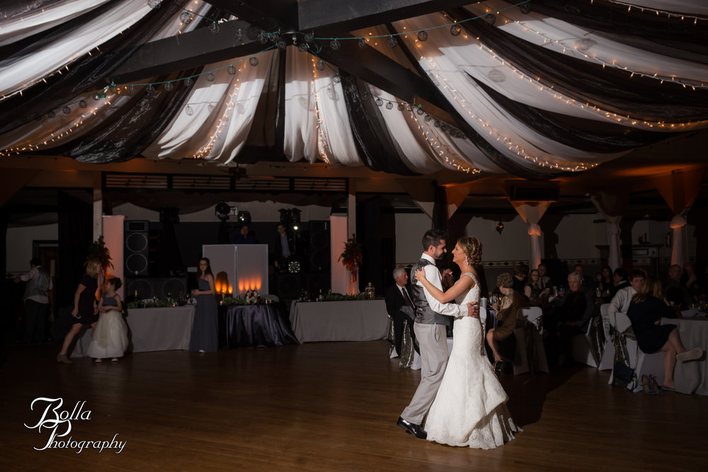 Bolla_photography_edwardsville_wedding_photographer_st_louis_weddings_highland_Allen_Warren_winter_red-0400.jpg